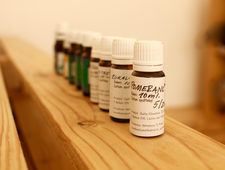 Základy bezpečnosti používání esenciálních olejů od Julie Clark!